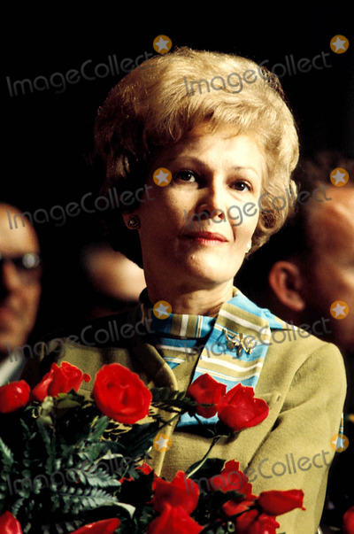 Photo - Pat Nixon Photo By:Globe Photos, Inc