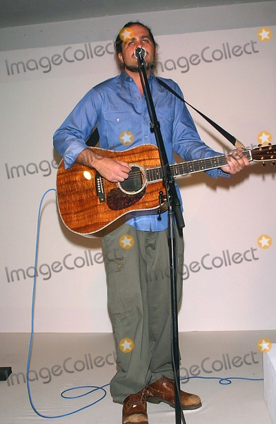 "Citizen Cope Photo - Surfrider Foundation Presents ""Art For the Oceans"" at Milk Studios, New York City 10-15-2005 Photo by John Zissel-ipol-Globe Photos 2005 Citizen Cope"