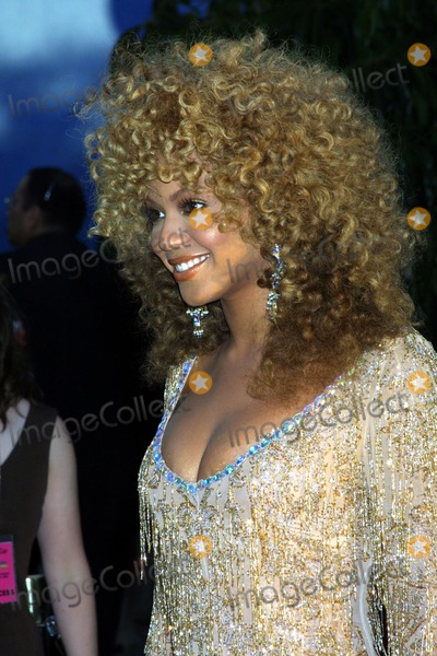 Beyonce, Beyonce Knowles Photo - : Austin Powers in Goldmember Universal Amphitheatre, Universal City, CA 07/22/2002 Photo by Ed Geller/Globe Photos,inc.2002 Beyonce Knowles
