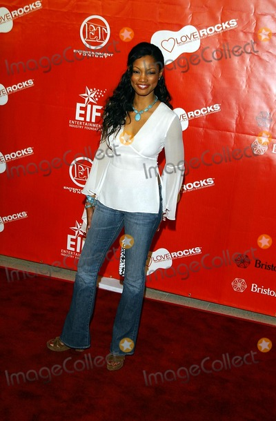 Garcelle Beauvais, Bono, U 2, U2, Bono, U2 Photo - Entertainment Industry Foundation 'Love Rocks' Concert to Honor Bono (U2) and Launch Eif's National Cardiovascular Research Initiative Kodak Theatre LA, CA February 14, 2002 Photo by Amy Graves/Globe Photos Inc 2002 K24097ag Garcelle Beauvais