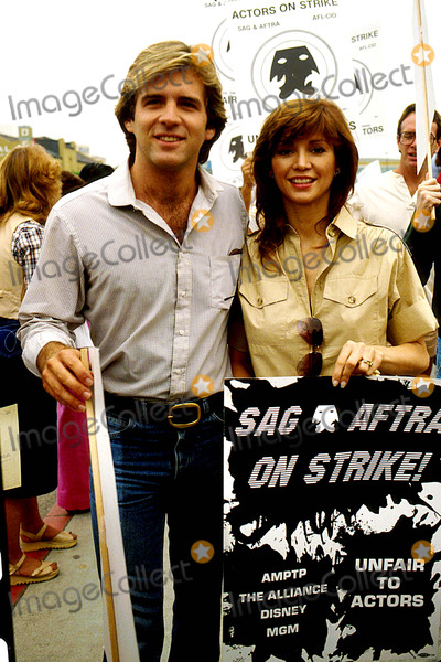 Victoria Principal Photo - Victoria Principal with Her Husband Christopher Skinner 1980 #11372 Photo by Phil Roach-ipol-Globe Photos, Inc.