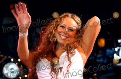 Mariah Carey, Eve Photo - New Years Eve in Times Square, New York City 12-31-2005 Photo by William Regan -Globephotos Inc. 2005 Inc. 2005 Mariah Carey