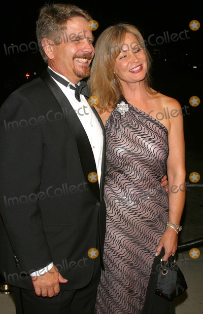 John Wells Photo - the West Wing Emmy Party at Mastro's in Beverly Hills, California 09/19/2004 Photo by Milan Ryba/Globe Photos Inc.2004 John Wells and Wife