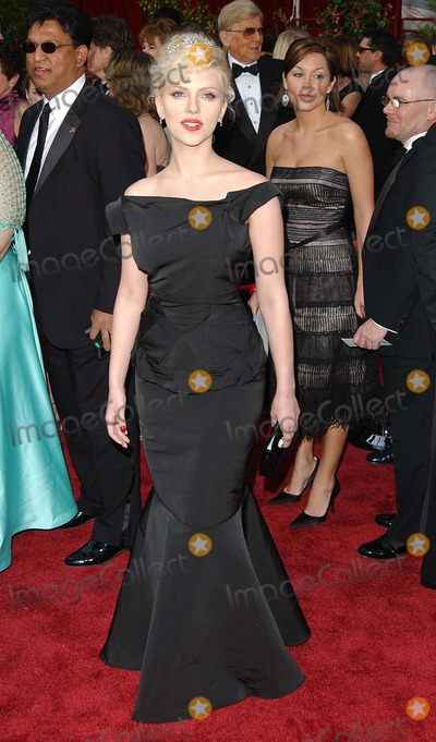 Scarlett Johansson Photo - 77th Annual Academy Awards (Red Carpet Arrivals) at the Kodak Theatre, CA 2-27-2005 Photo By:fitzroy Barrett-Globe Photos, Inc Scarlett Johansson