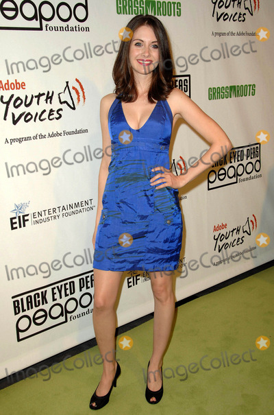 Alison Brie, Black-Eyed Peas, Black Eyed Peas Photo - The 5th Annual Black Eyed Peas Peapod Foundation Benefit Concert Held at the Conga Room in Los Angeles California February 5, 2009 Photo: David Longendyke-Globe Photos Inc. 2009 Image: Alison Brie
