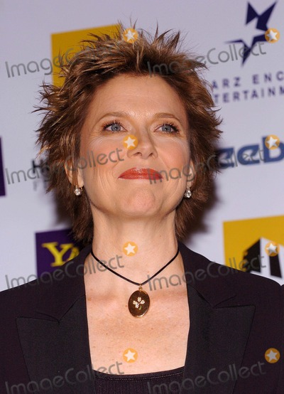 Annette Bening Photo - the 8th Annual Hollywood Film Festival Hollywood Awards Gala Ceremony at the Beverly Hilton Hotel Beverly Hills, CA. 10/18/2004 Photo by Fitzroy Barrett/Globe Photos Inc. 2004 Annette Bening