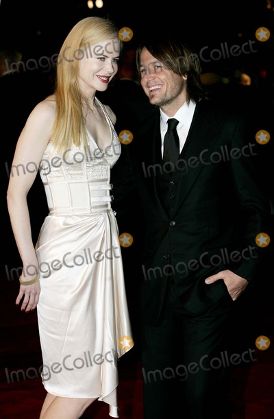 Keith Urban, Nicole Kidman Photo - Nicole Kidman & Keith Urban Actress and Husband Arrive For the World Film Premiere of the Golden Compass at the Odeon, Leicester Square in London. 11-27-2007 Photo by Tim Matthews-allstar-Globe Photos,inc.