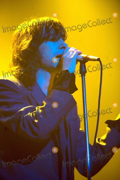 Bobby Gillespie, Primal Scream, Bobbie Gillespie Photo - Chris Aubrey-richfoto-Globe Photos, Inc.12-01-2006 001822 Bobby Gillespie Primal Scream-live Concert-brixton Academy, Brixton, London, United Kingdom. X