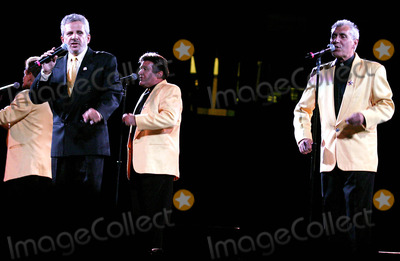 Johnny Maestro Photo - Richard Nader's Summer Doo Wop Reunion Concert Xvi at the Continental Airlines Arena in New Jersey 6/19/2004 Photo By:john Barrett/Globe Photos, Inc 2004 Johnny Maestro and the Brooklyn Bridge