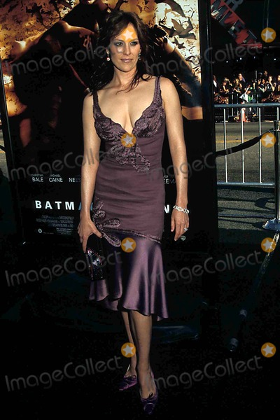 Batman Photo - Batman Begins Premiere at the Chinese Thearte Hollywood CA 06-06-2005 Photo: Phil Roach-ipol-Globe Photos Inc. 2005 Anabeth Gish