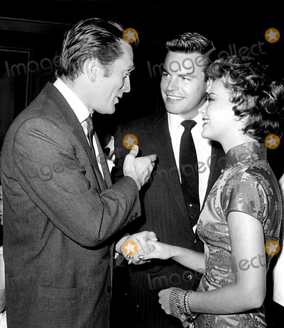 Natalie Wood, Kirk Douglas, Robert Wagner Photo - Kirk Douglas, Robert Wagner and Natalie Wood Globe Photos, Inc.
