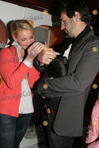 "Josh Kelley, Katherine Heigl Photo - ""Mutts to Melrose"" Orangebone Pet Store Grand Opening to Benefit Last Chance For Animals (Lca) Orangebone, Hollywood, CA 02/11/09 Katherine Heigl and Husband Josh Kelley Photo: Clinton H. Wallace-photomundo-Globe Photos Inc"