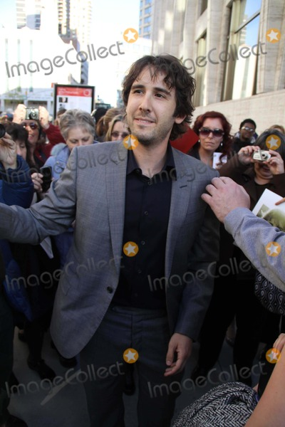 Paul Newman, Josh Groban, Hole Photo - Josh Groban Arriving at ''a Celebration of Paul Newman Dream'' Benefit For Paul Newman's Assocation of Hole in the Camps at Avery Fisher Hall , Lincoln Centrer Photo by John Barrett/Globe Photos