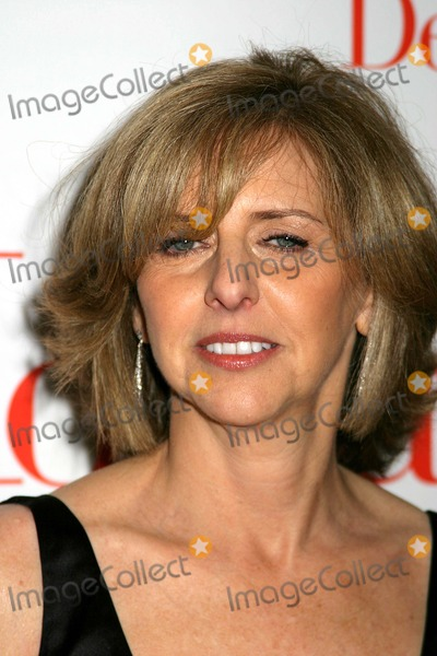 "Nancy Meyers Photo - Columbia and Universal Pictures Presents the World Premiere of ""the Holiday"" Ziegfeld Theatre-new York City- 11/29/06 Photo by Paul Schmulbach-Globe Phiotos, Inc. 2006 Nancy Meyers"