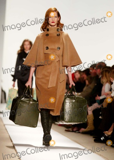 Photo - Olympus Fashion Week Fall 2006 - Tuleh-runway at Bryant Park, New York City 02-05-2006 Photo by Sonia Moskowitz-Globe Photos,inc. Tuleh-runway