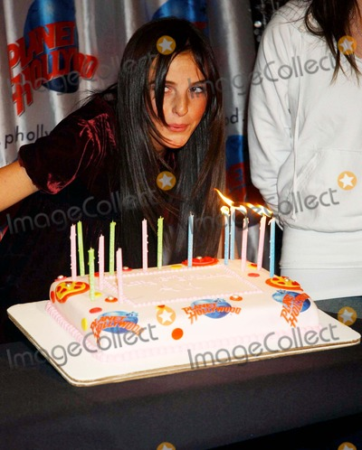 "Ali Lohan Photo - Ali Lohan Handprint Ceremony Celebrating Her 13th Birthday and Release of Her Debut Album ""Lohan Holiday"" at Planet Hollywood Times Square , New York City 12-22-2006 Photo by Ken Babolcsay-ipol-Globe Photos,inc. Ali Lohan"