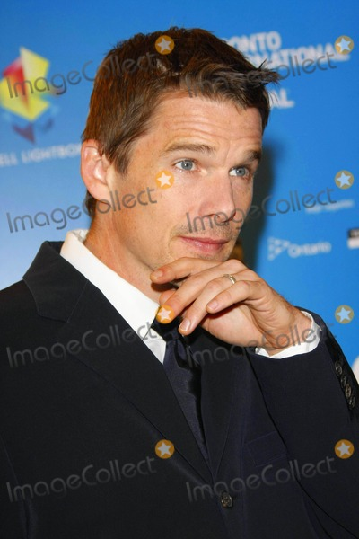 "Ethan Hawke Photo - Actor Ethan Hawke at the Press Conference of ""What Doesn't Kill You"" During the 2008 Toronto International Film Festival at Hotel Sutton Place in Toronto, Canada, on 09-10-2008 Photo by Alec Michael-Globe Photos, Inc."