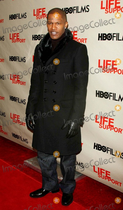 Jamie Foxx Photo - Opening of Hbo Movie ''Life Support'' at Chelsea Wst Theater Date 03-0-07 Photos by John Barrett-Globe Photos,inc Jamie Foxx