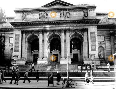 Photo - New York City Public Library 42nd & 5th Ave. Photo by John P. Hammond / Globe Photos,inc.