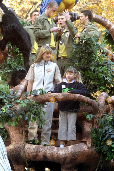 Terri Irwin, Bindi Irwin, Terry Irwin Photo - Annual Macy's Thanksgiving Day Parade in Manhattan. Photos: : Bruce Cotler 2007 11 -22 - 07 Terri & Bindi Irwin