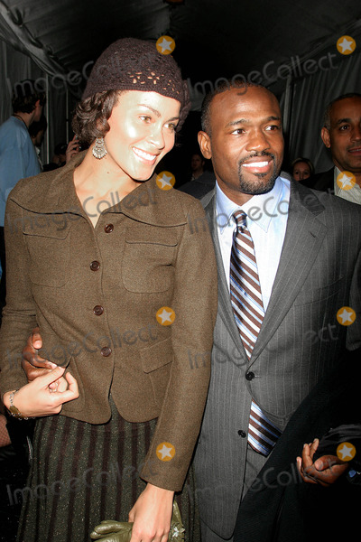 Harold Reynolds, JOSEPH ABBOUD Photo - Olympus Fashion Week Fall 2005 Joseph Abboud Collection (Celebs). Bryant Park, New York City. 02-04-2005 Photo: John Barrett-Globe Photos Inc 2005 Harold Reynolds