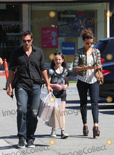 Kate Beckinsale Photo - Kate Beckinsale and Family Back From a Vacation in Mexico Go Shopping in Brentwood. 09-12-2010 Photo by Vp-Globe Photos, Inc. 2010