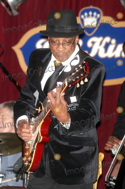 Hubert Sumlin, B.B. King, B. B. King, B B King Photo - Hubert Sumlin Performs at B.b.king , New York City 02-25-2006 Photo by John Barrett-Globe Photos,inc. Hubert Sumlin