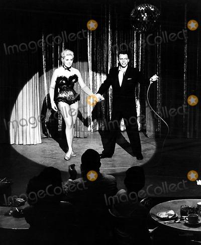 Kim Novak, Frank Sinatra Photo - Kim Novak and Frank Sinatra 1957 Supplied by Smp/Globe Photos, Inc. Kimnovakretro