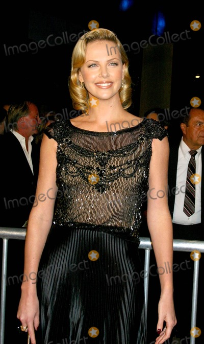 Charlize Theron Photo - Monster - World Premiere - Closing Night of Afi Festival 2003 at Cinerama Dome - Arclight Theatres, Hollywood, CA 11/16/2003 Photo by Clinton H Wallace / Ipol / Globe Photos Inc 2003 Charlize Theron