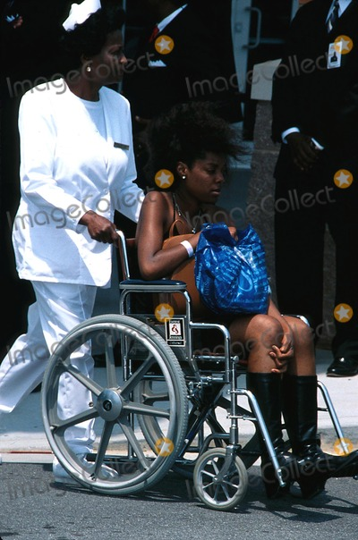 ", Left Eye Lopes, Lisa ""Left Eye"" Lopes Photo - : 5/2/02 the Funeral"