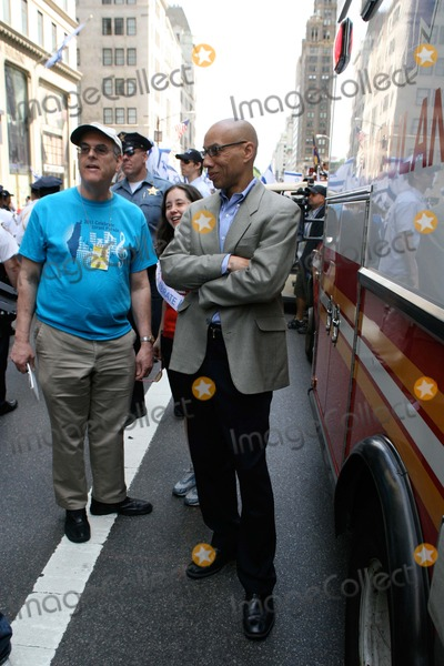 Photo - Salute to Israel Day Parade. Marchers Walk Up 5th. Avenue in Manhattan                                                                        Bruce Cotler - Globe Photos                        6 / 5 / 11 