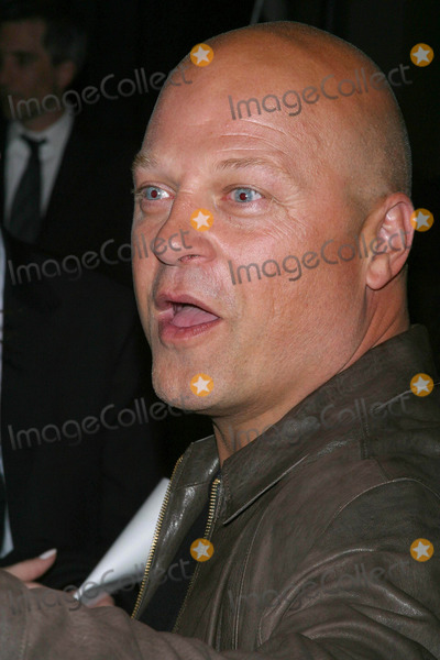 Michael Chiklis Photo - the Shield: Season Three Premiere Screening at Zanuck Theatre 21 Century Fox Studios, Los Angeles, California 03/08/04 Photo by Milan Ryba/Globe Photos, Inc.2004 Michael Chiklis
