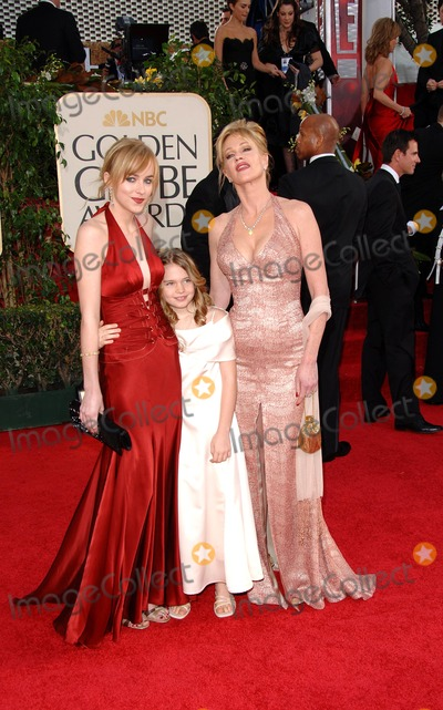 Melanie Griffith, Melanie Griffiths Photo - 63rd Annual Golden Globe Awards, Arrivals at the Beverly Hilton Hotel Beverly Hills, CA. 1/16/2006 Photo by Fitzroy Barrett / Globe Photos Inc. 2006 Melanie Griffith and Daughters