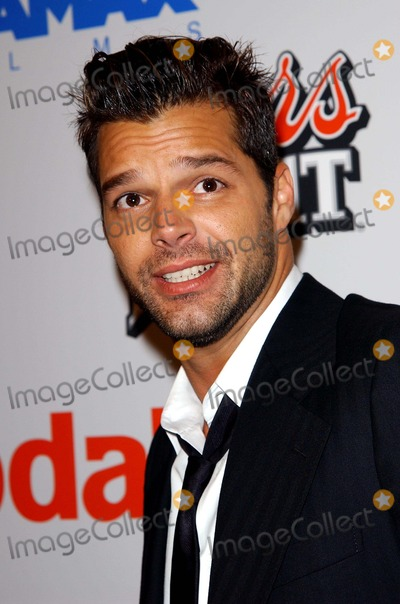 Ricky Martin Photo - Cold Mountain Premiere. at Mann National Theater in Westwood. CA. 12/07/2003 Photo by: Fitzroy Barrett/Globe Photos Inc.2003 Ricky Martin