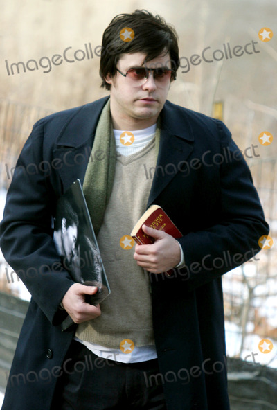 "Jared Leto, John Lennon Photo - Filming of "" Chapter 27 "" Story of Mark David Chapman and the Day Leading to the Murder of John Lennon in Central Park , New York City 01-17-2006 Photo by John Barrett-Globe Photos,inc. Jared Leto"