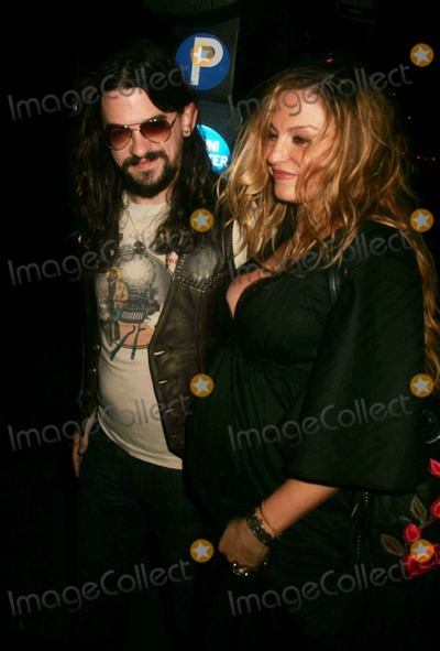 "Drea De Matteo, Kid Rock, Shooter Jennings Photo - Kid Rock Albulm Release Party For ""Rock and Roll Jesus"" at Nikki Midtown East 50th Street 10-09-2007 Photos by Rick Mackler Rangefinder-Globe Photos Inc.2007 Exclusive Shooter Jennings and Drea DE Matteo"