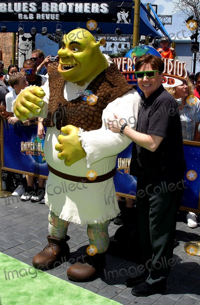 Mike Myers Photo - World Premiere of Shrek 4-d Universal Studios Hollywood, Universal City, CA 05/10/2003 Photo by Milan Ryba / Globe Photos Inc 2003 Mike Myers