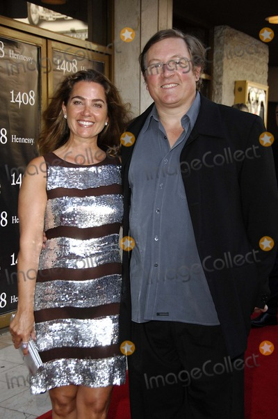 Lorenzo Di Bonaventura Photo - Lorenzo Di Bonaventura and Kimberly During the Premiere of the New Movie From Metro Goldwyn Mayer 1408, Held at Mann's National Theater, on June 12, 2007, in Los Angeles. Photo by Michael Germana-Globe Photos 2007