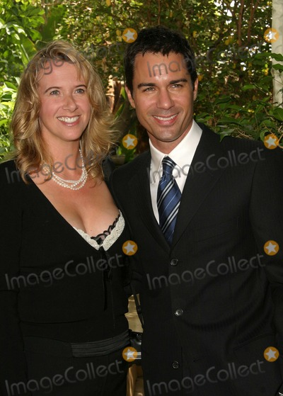 Eric Mccormack, Four Seasons, ERIC MCCORMACK, Photo - Breast Cancer Heroes Honored at Lifetime Television Lucheon at Four Seasons Hotel in Beverly Hills, California 09/27/04 Photo by Nina Prommer/Globe Photos Inc.2004 Eric Mccormack and Wife Janet