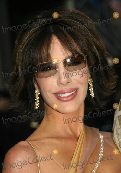 Hunter Tylo Photo - 32nd Annual Daytime Emmy Awards Radio City Music Hall New York City 05-20-2005 Photo by Barry Talesnick-ipol-Globe Photos 2005 Hunter Tylo
