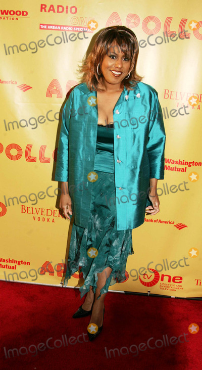 "Jennifer Holliday Photo - Apollo Theatre Foundation Presents Its Inaugural Spring Benefit: "" the Magic Lives on "" at the Apollo Theatre in Harlem , New York City 6-20-2005 Photo By:rick Mackler-rangefinders-Globe Photos, Inc 2005 Jennifer Holliday"