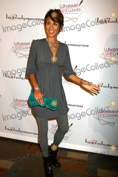"Nicole Ari Parker Photo - ""Whatever She Wants"" Los Angeles Opening Night at Kodak Theatre, Hollywood , California 10-18-2007 Nicole Ari Parker Photo: Clinton H. Wallace-photomundo-Globe Photos Inc"