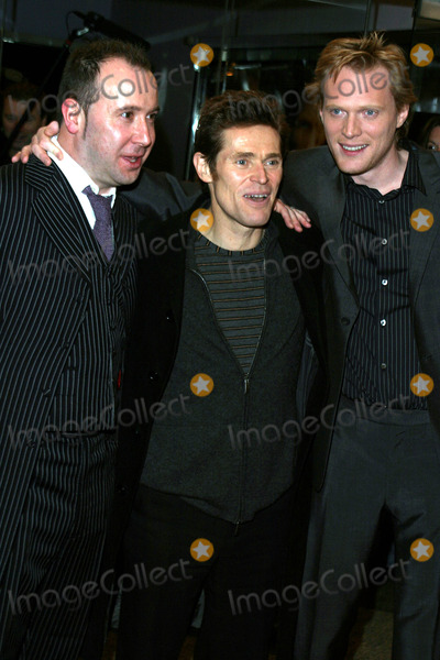 "Paul Bettany, Paul Mcguigan, Willem Dafoe Photo - ""the Reckoning"" Premiere at the Paris Theatre in New York City 03/03/2004 Photo by Rick Mackler/rangefinder/Globe Photos, Inc. 2004 Paul Bettany, Willem Dafoe and Paul Mcguigan"