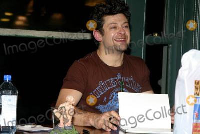 Andy Serkis Photo - Andy Serkis Booksigning at Barnes and Noble Bookstore, New York City 01/12/2004 Photo by Rick Mackler/rangefinder/Globe Photos, Inc.