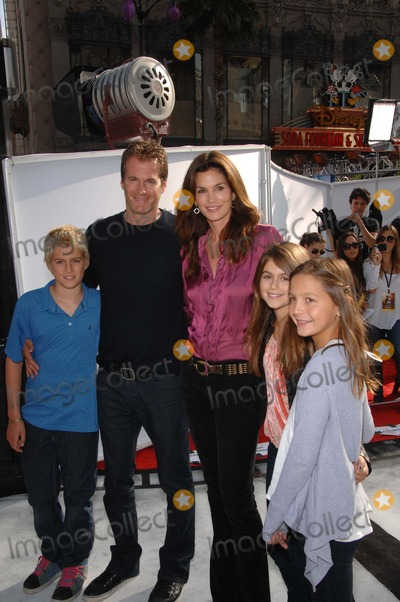 Cindy Crawford, Cirque du Soleil, Journey, Presley Gerber, Rande Gerber, Kaya Gerber Photo - Presley Gerber, Rande Gerber, Cindy Crawford and Kaya Gerber during the World Premiere of IRIS  A Journey Into The World of Cinema, by Cirque du Soleil, held at the Kodak Theatre, on September 25, 2011, in Los Angeles.
