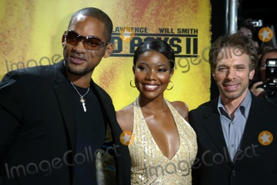 "Gabrielle Union, Jerry Bruckheimer, Will Smith Photo - Will Smith, Gabrielle Union, Jerry Bruckheimer (Producer) Premiere ""Bad Boys Ii"" Mathaeser Filmpalast, Munich, Germany, 10/02/2003 Photo by Alec Michael/Globe Photos Inc.2003"