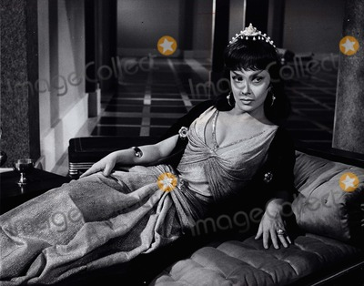 Gina Lollobrigida Photo - Gina Lollobrigida Solomon and Sheba 1959 Still Supplied by Globe Photos, Inc.