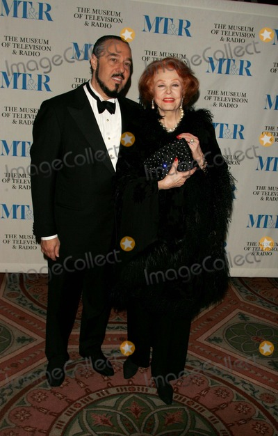 Arlene Dahl, Merv Griffin Photo - the Museum of Television and Radio to Honor Merv Griffin at Its Annual New York Gala at the Waldorf-astoria , New York City 05-26-2005 Photo by Rick Mackler-rangefinder-Globe Photos,inc. 2005 Arlene Dahl and Marc Rosen