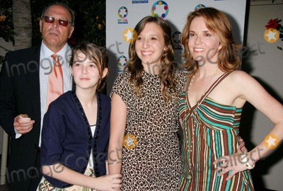 "Howard Deutch, Lea Thompson, Madelyn Deutch Photo - ""Wesparkle Night Take V-broadway/comedy Tonight"" Alex Theatre, Glendale, CA 05-23-2006 Photo: Clinton H. Wallace/photomundo/Globe Photos Lea Thompson and Family - Howard Deutch, Zoe Deutch, Madelyn Deutch and Leah Thompson"