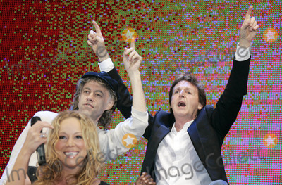 Bob Geldof, Mariah Carey, Paul Mccartney, Group Shot Photo - Mariah Carey, Bob Geldof, Paul Mccartney Live 8 Hyde Park, London, Uk, July 02. Photo by Alec Michael-Globe Photos Inc,